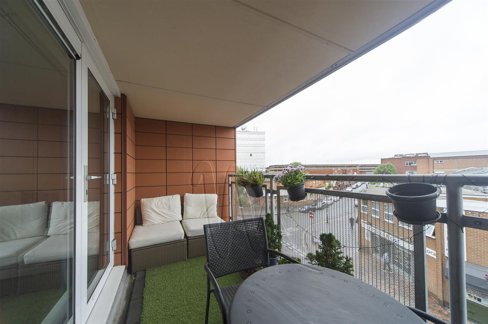 2 Bedrooms Apartment Flat for sale in Warstone Lane, Birmingham